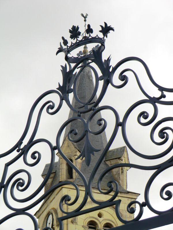 Coq qui a obtenu la couronne angevine