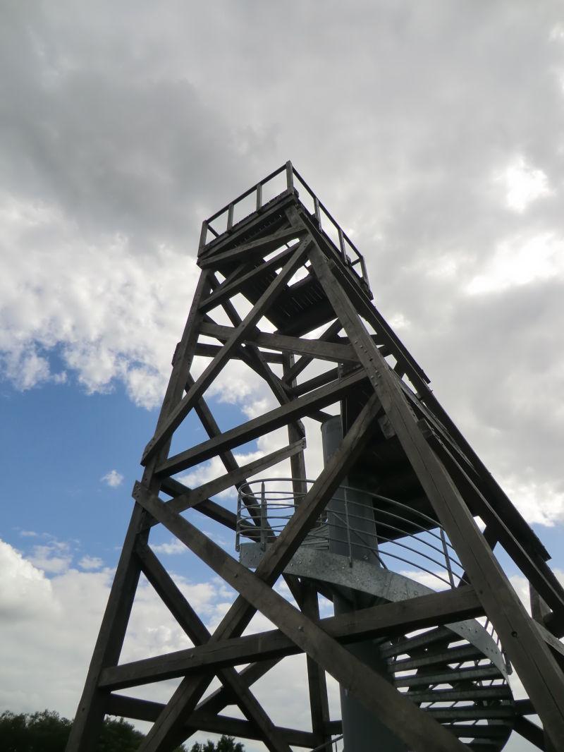 Le chevalement de la mine des Malécots