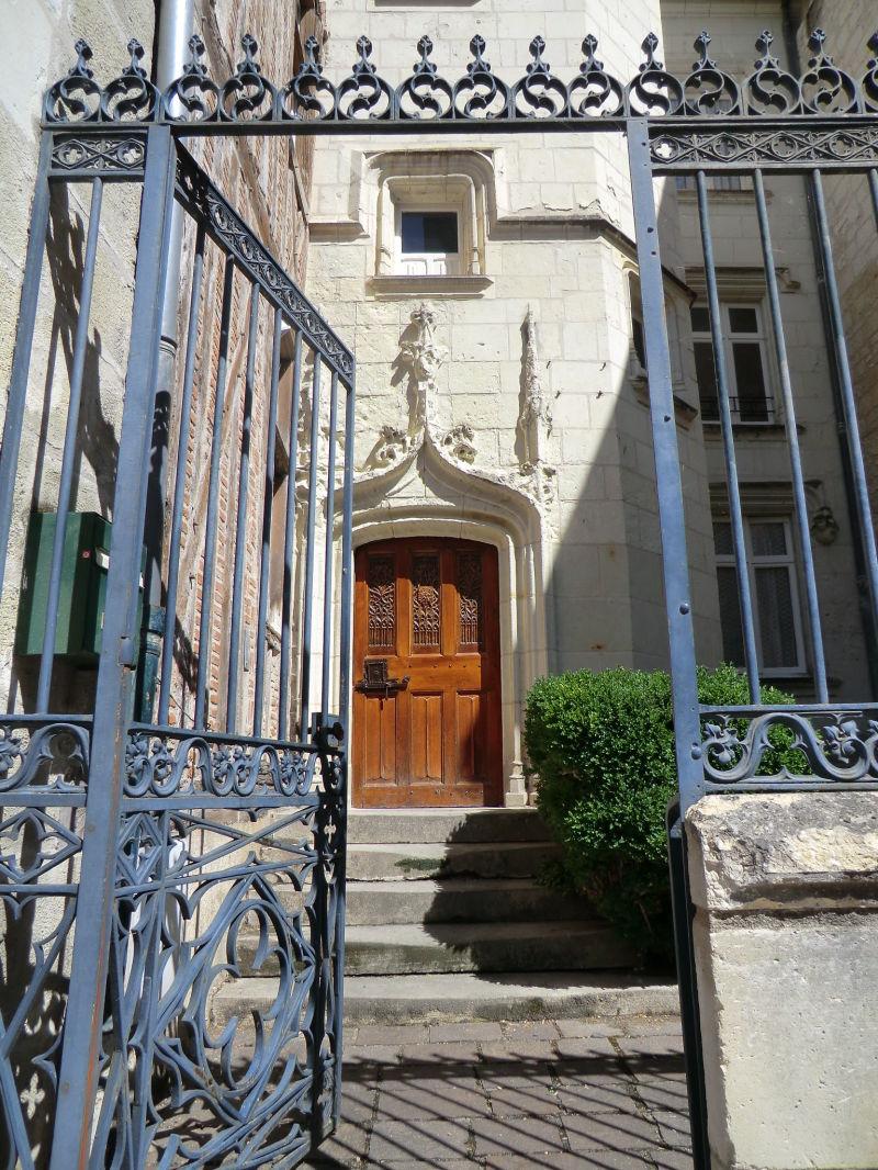 L'entrée de l'hôtel seigneurial