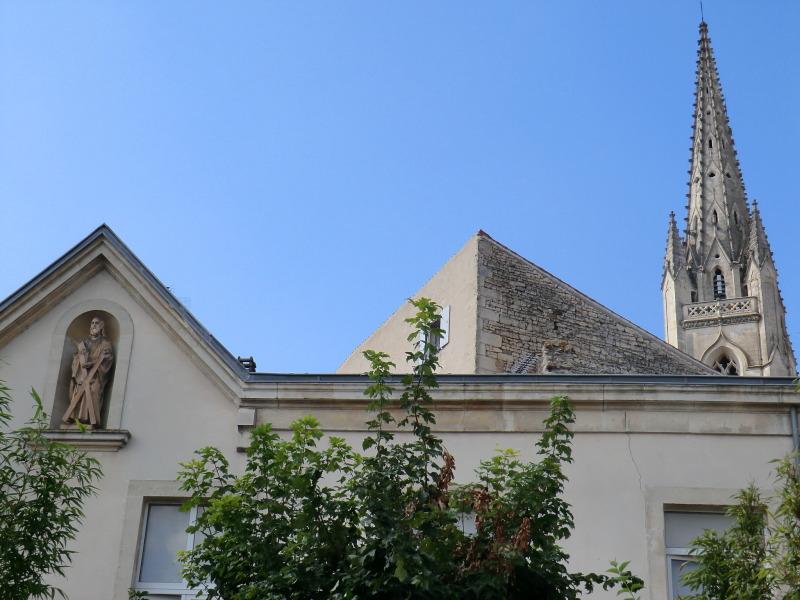 Saint-André et le clocher de l'église Saint-André