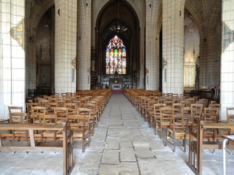 Intérieure de l'église Saint-André à Niort