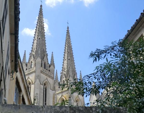 Deux clochers de l'église Saint-André
