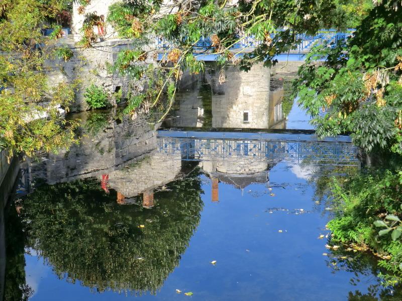 Les reflets de la Tour Bains Juin à Niort