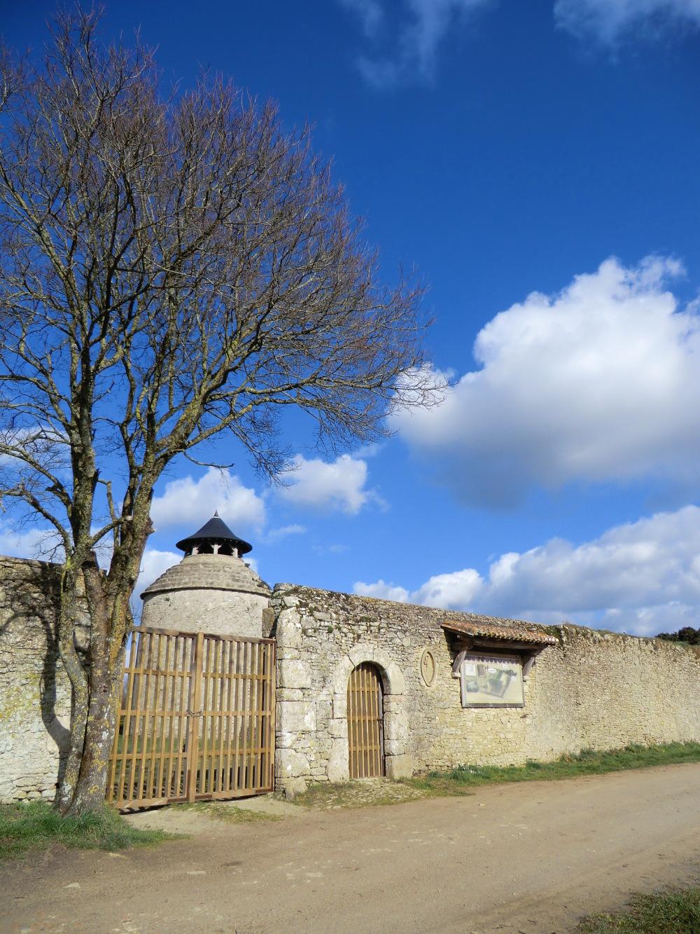 Le pigeonnier de l'Abbaye de la Chaume
