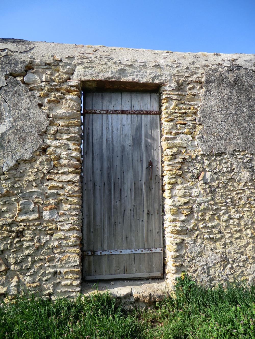 Ancienne porte des remparts du Château du verger