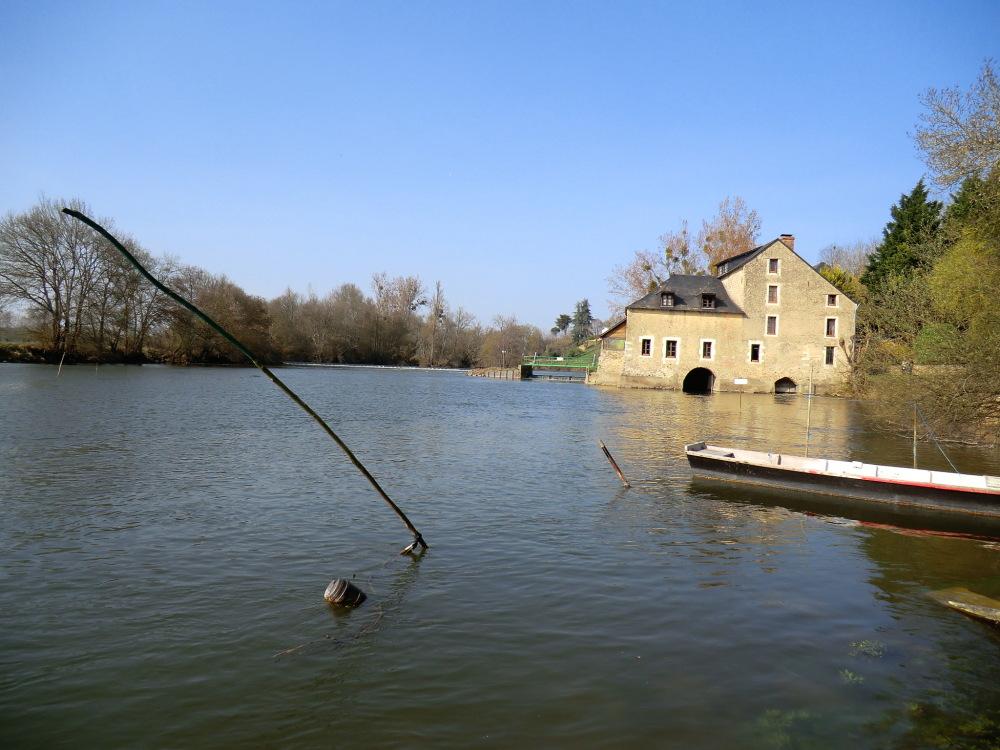 Pêcher une barque vers le Loir