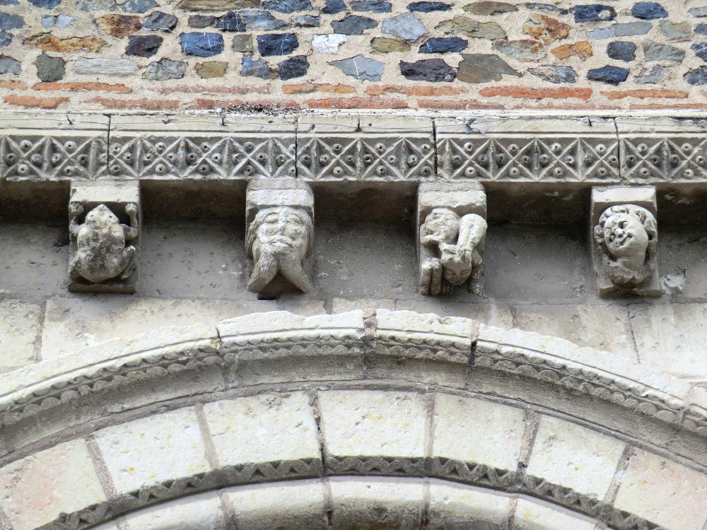 Les trois symboles de la Trinité....