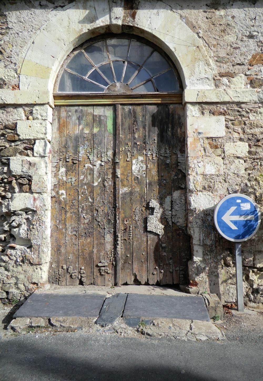 L'obligation d'entrée ou de suivre son chemin....