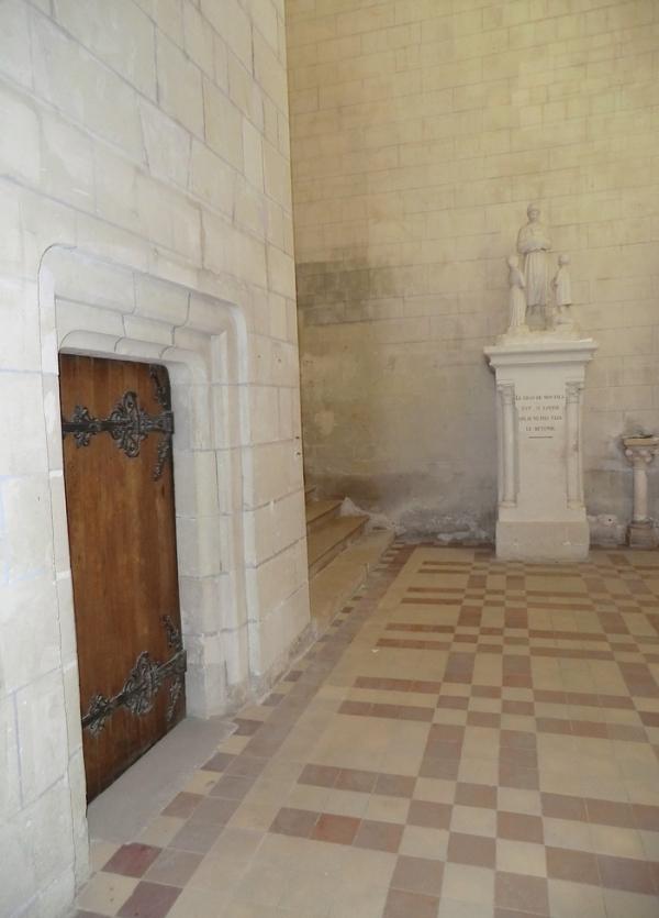 La porte renferme le secret de Notre-dame Salette