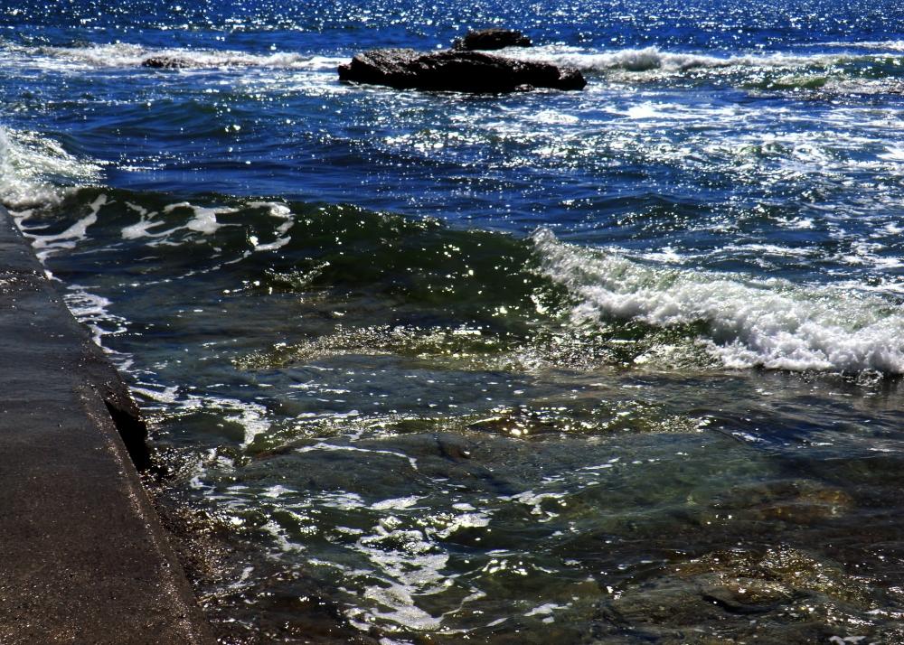Mes pieds se baignent des couleurs de l'Océan...