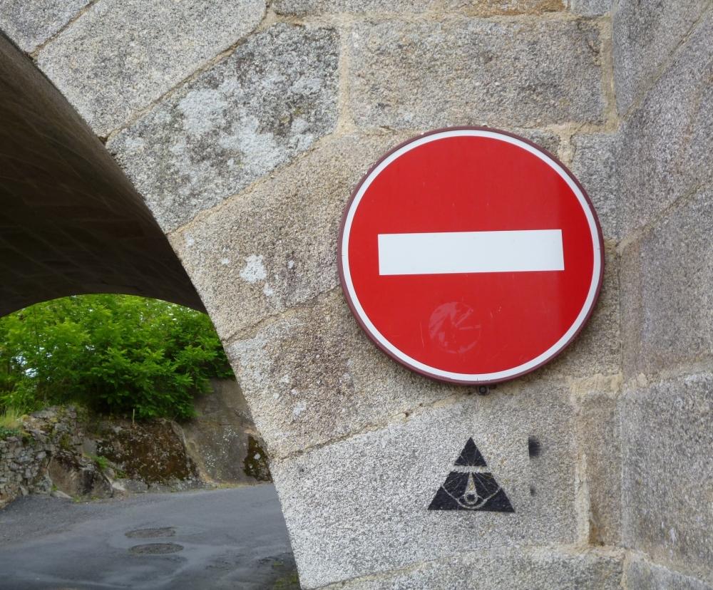 Mon sens d'interdit arche ma route....
