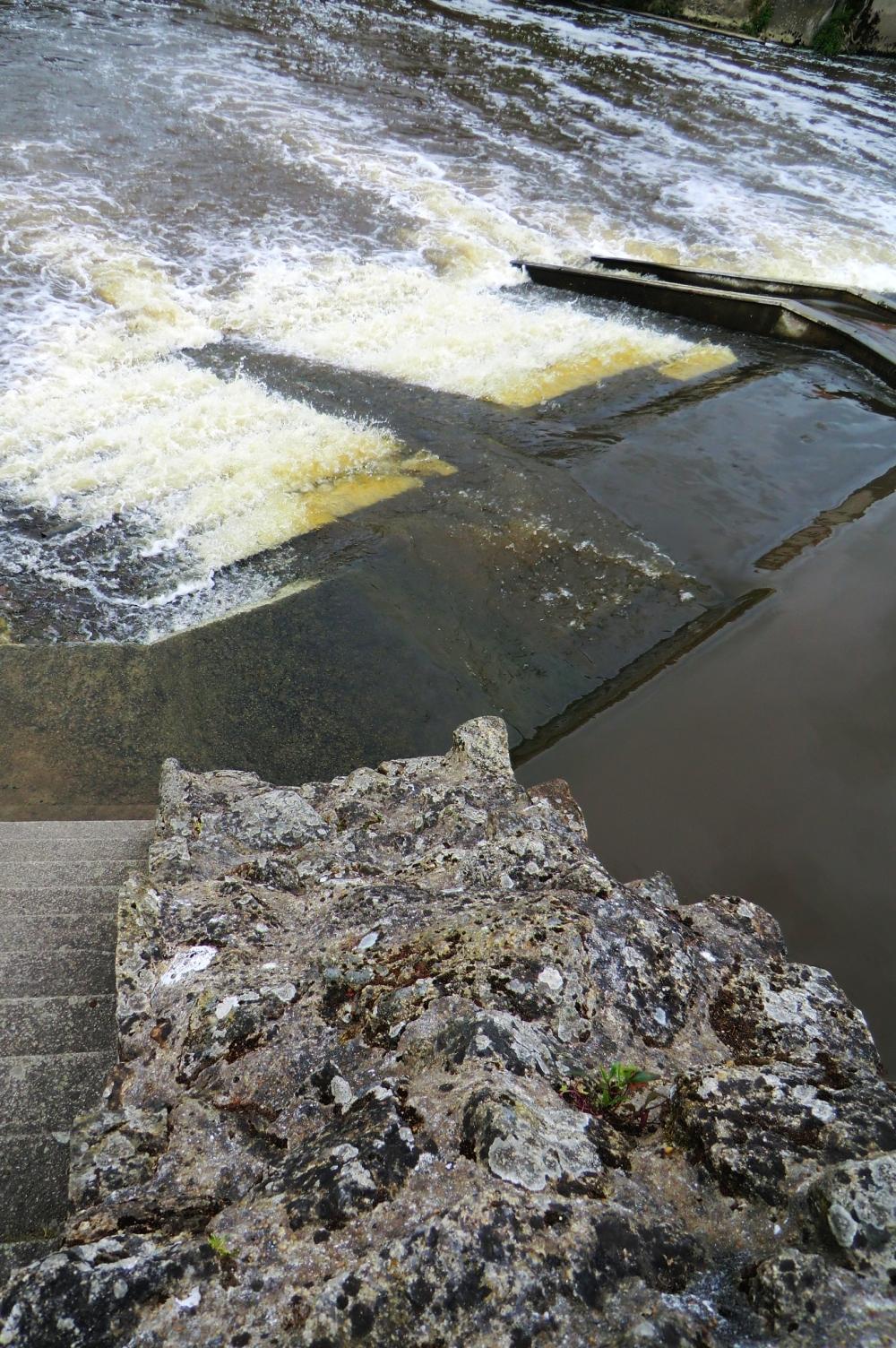 Chuter aux marches du Vallon de la cascade...
