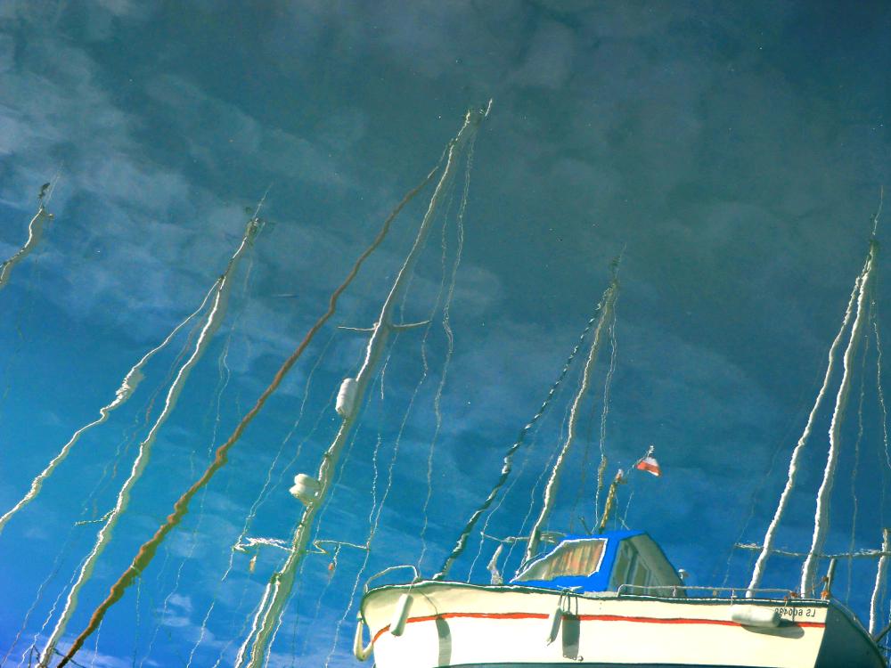 Ciel bleu se mêle à la flotte française de l'Océan