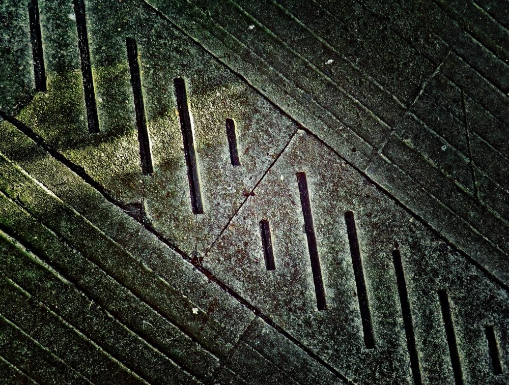 Ligne de lumière qui suit la trajectoire diagonale