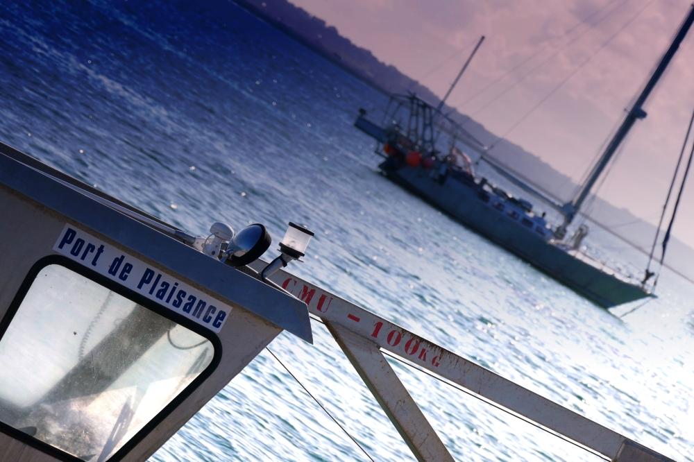 Le bateau tangue au poids de sa cargaison...
