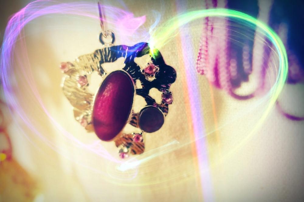 Le coeur tourne comme un collier en textures
