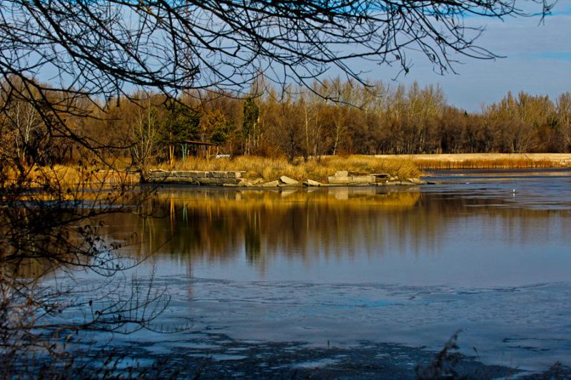 The frozen lake ( Ready to freezing :)