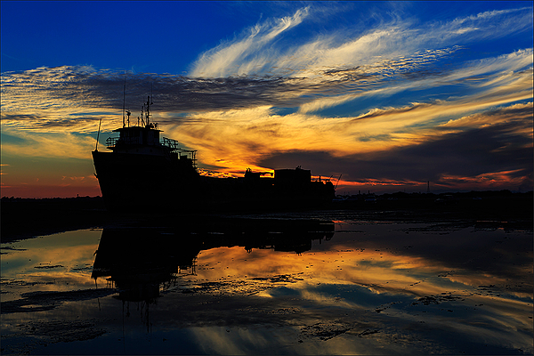 ship run aground ... *