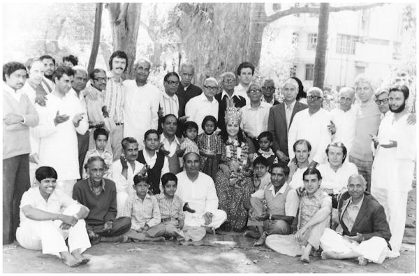 Shri Mataji and early Sahaja Yogis 1