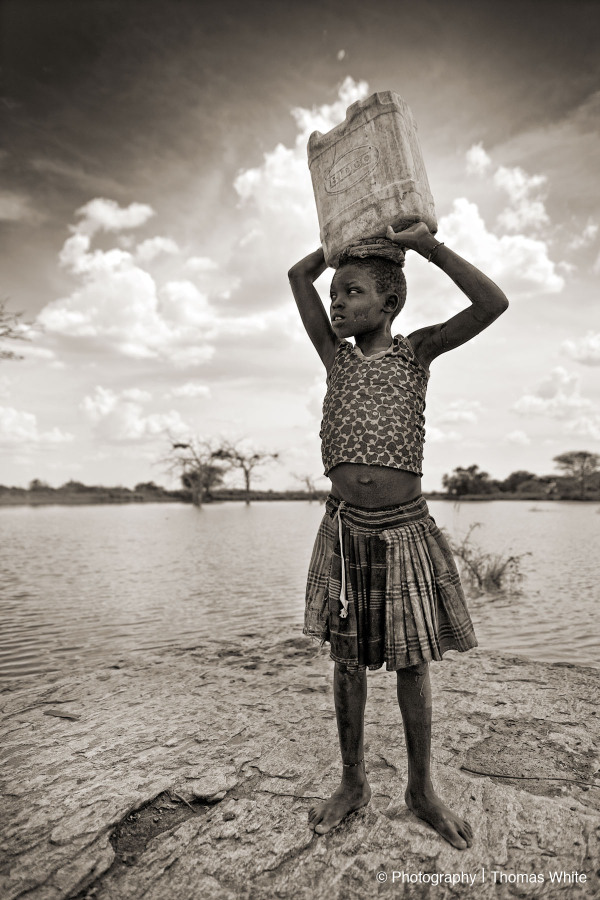 Kotido, Karamoja III - Collecting water.