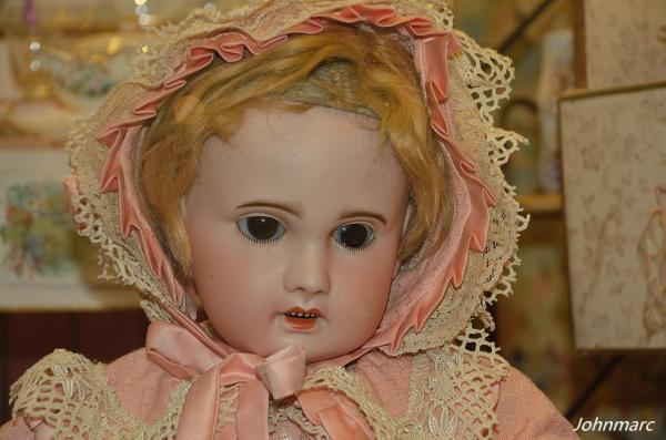 Une autre poupée