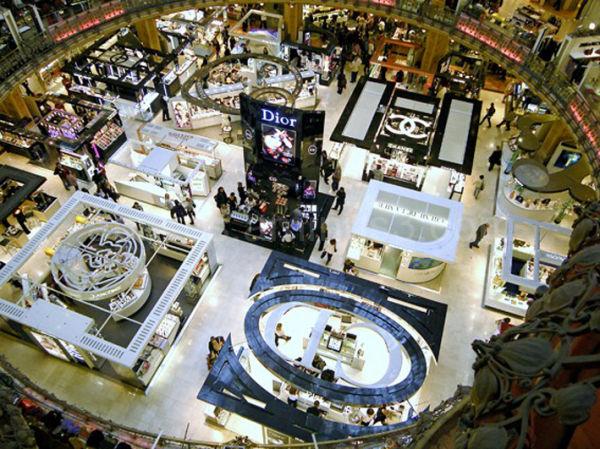 Paris, grand magasin
