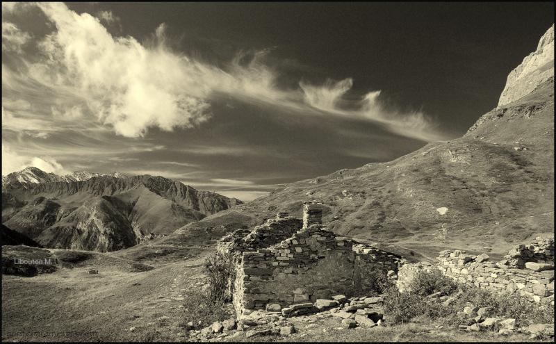 Aminus3 Featured photo Les vieilles pierres racontent le vent d'antan... | 10 June 2012