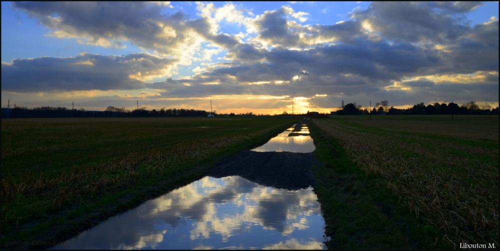 Le soleil est au bout de la route.
