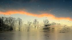 Entre ciel et glace. (Crépuscule de l'étang 2/4)