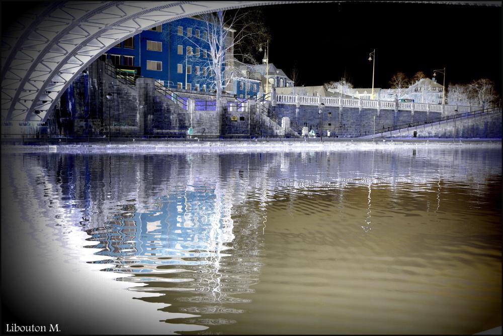 Sous le pont de Namur...