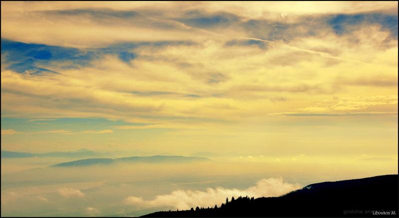 Quand les nuages caressent les montagnes...