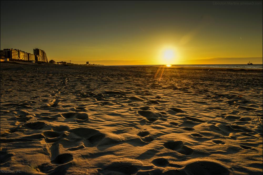 Je marche éternellement sur ces rivages.......