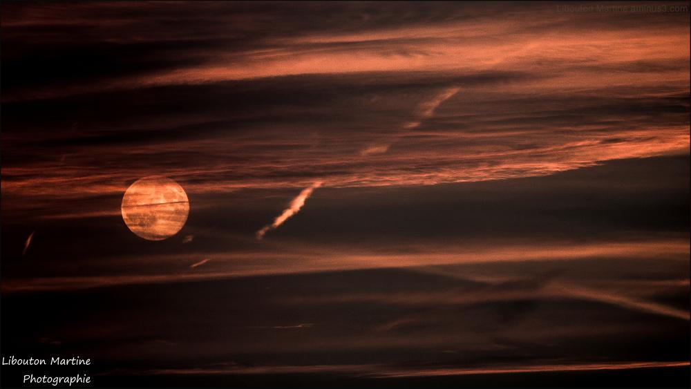 Nuages : les descentes de lit de la lune.