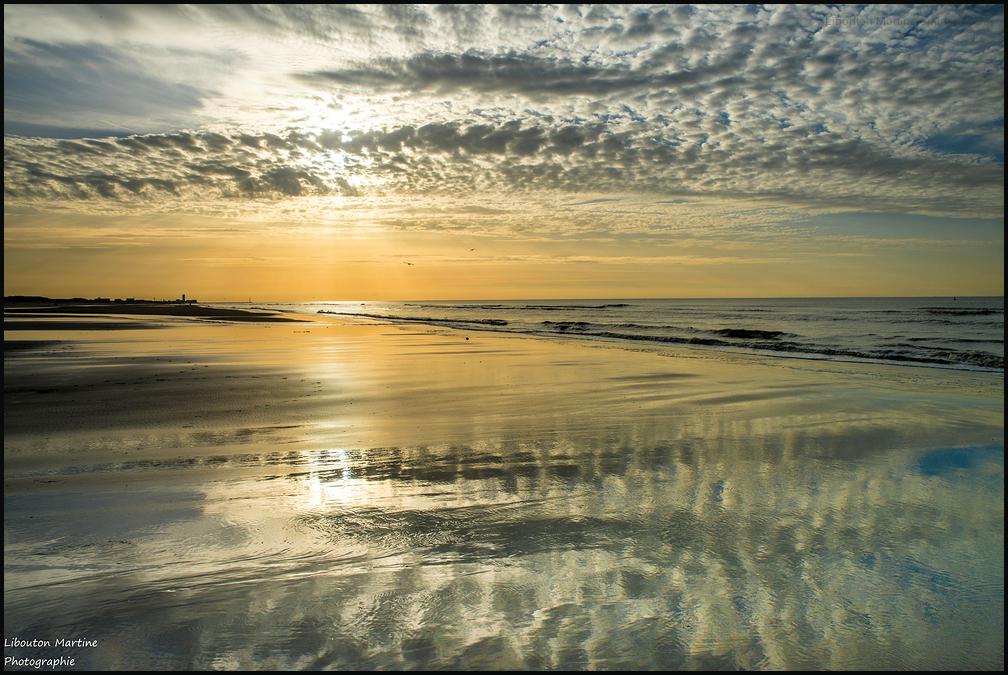 Quand le ciel se mire sur le sable