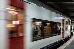18h20 le train entre en gare de Brussel Shuman