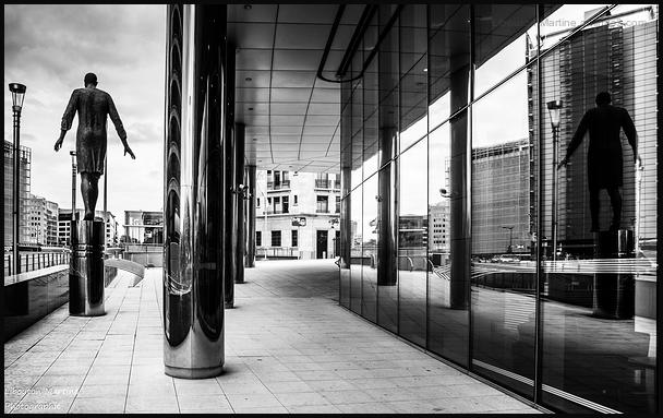 Double moi 1 / La vie à Bruxelles