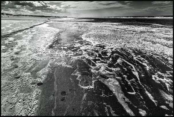 Je marche éternellement sur ces rivages.....