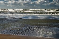 Quand les vagues flirtent avec les nuages !