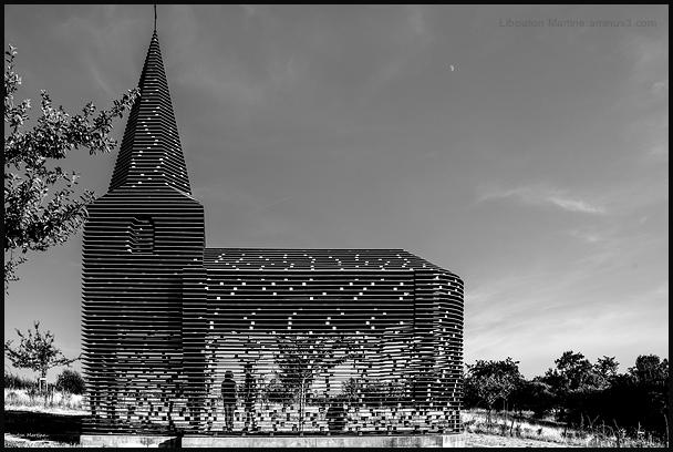 """La chapelle de Looz ou """"Lire entre les lignes """" 1"""