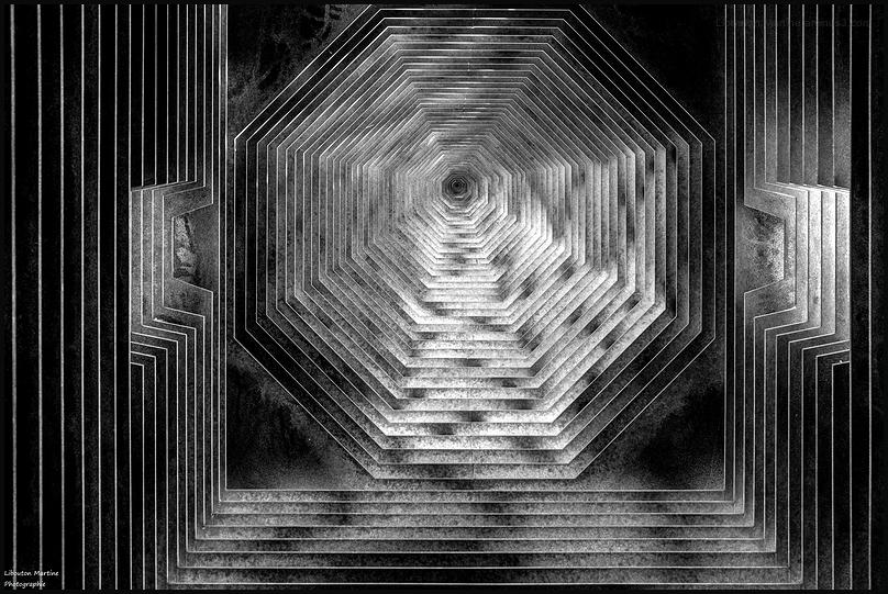 """L'intérieur  du clocher """"Lire entre les lignes """" 2"""