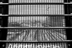 Le chemin de fer en cage !