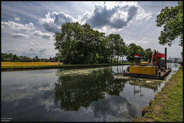 La barge