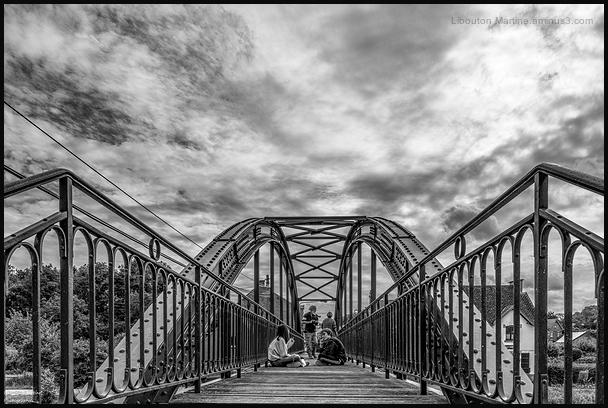 Un pont trop loin...