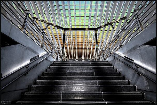 Les escaliers vers  un autre monde