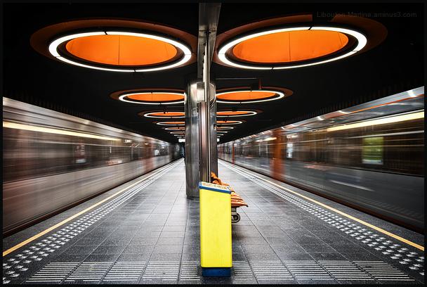 Chassé-Croisé  dans le métro bruxellois !