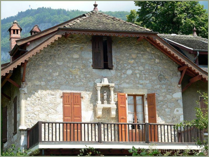 Talloire Annecy Savoie France belles pierres
