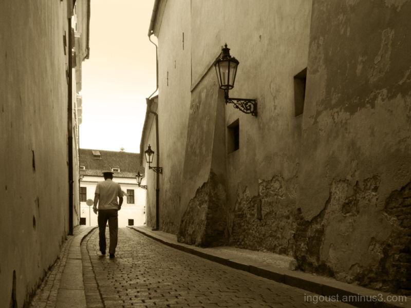 Hurry in narrow street.
