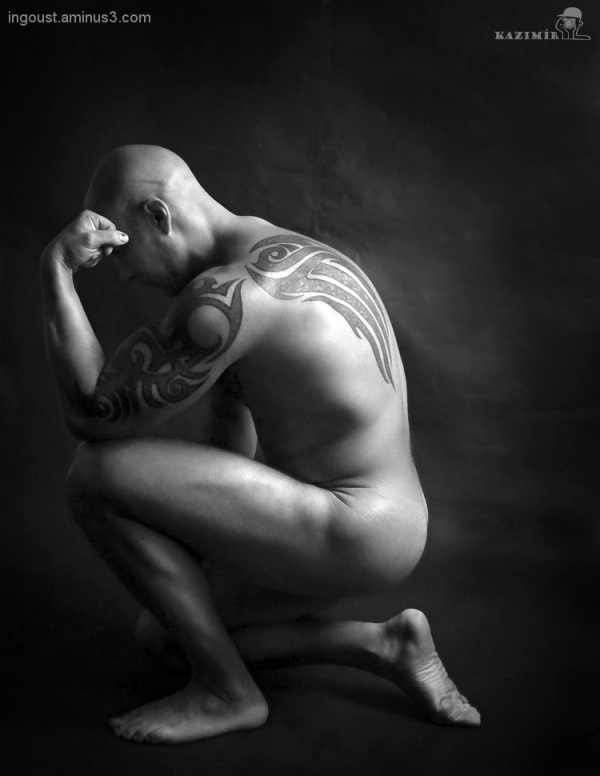 male, bodybuilder, studio, bw, nude