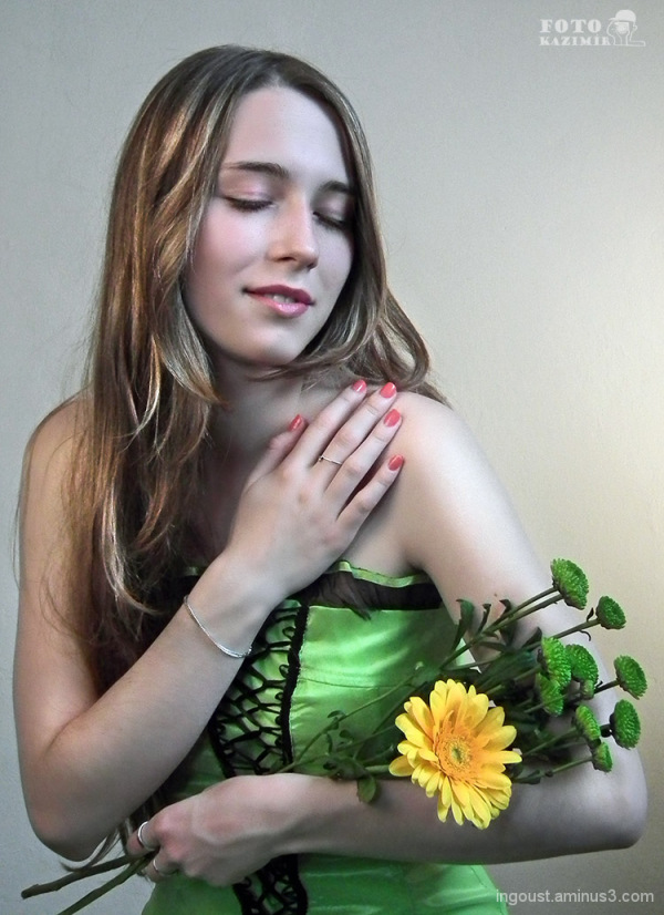 Veronika in green