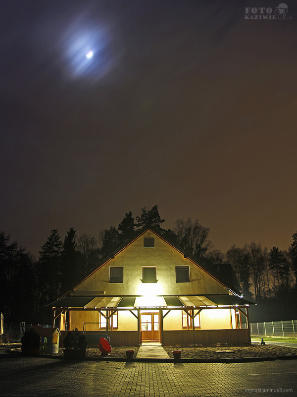 Restaurant with Moon